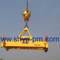 Large picture rotation container spreader