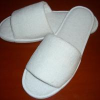 Large picture hotel slippers