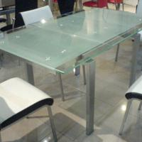 Large picture extending dining table
