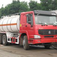Large picture sinotruk howo 6*4 oil tanker truck