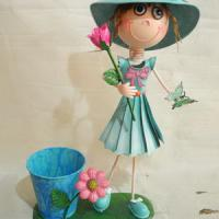 Large picture Garden Girl