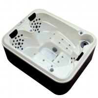 Large picture massage bathtub for 3 persons