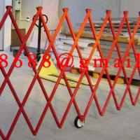 Large picture tensile fence