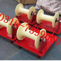 Large picture cable roller for well head