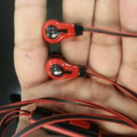 Large picture cheap earphone with mic in tangle free wire